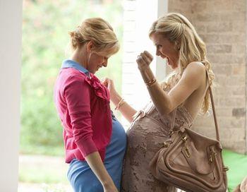 «Что ждать, когда ждешь ребенка». Элизабет Бенкс и Бруклин Декер в фильме «Что ждать, когда ждешь ребенка». Фото с сайта obozrevatel.com