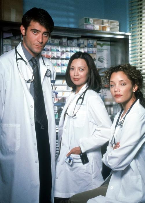 Горан Вишнич, Минг-На и Майкл Мишель в сериале «Скорая помощь». Фото: Warner Bros. International/Getty Images