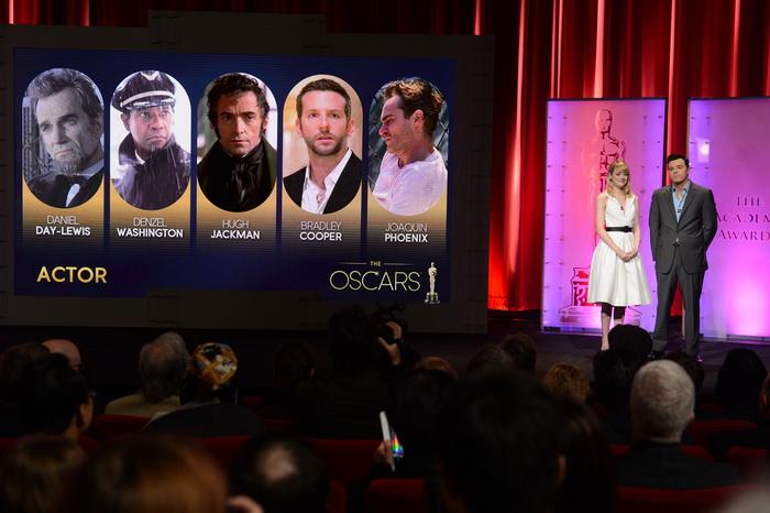Объявлены номинанты на приз «Оскар». Эмма Стоун и Сет МакФарлейн объявляют номинантов в номинации  «Лучший актёр в главной роли». Фото: ROBYN BECK/AFP/Getty Images