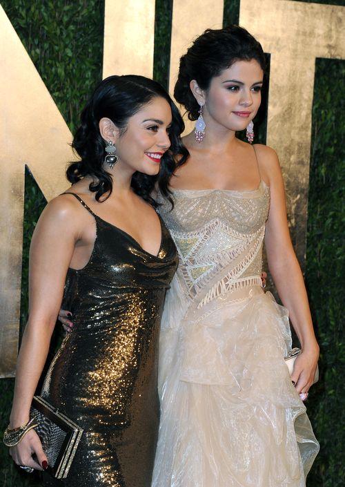 «Оскар» 2013: звёздная вечеринка. Актрисы Ванесса Хадженс и Селена Гомес прибыли на вечеринку после вручения призов «Оскар». Фото: Pascal Le Segretain/Getty Images