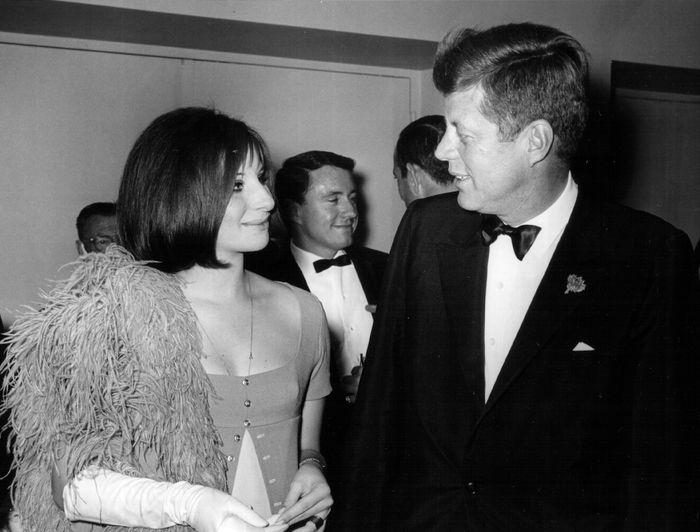 Барбра Стрейзанд и президент США Джон Кеннеди. 1963 год. Фото: National Archive/Newsmakers