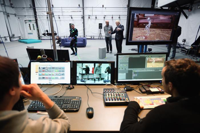 Борис Джонсон посетил студию киноэффектов. Фото: Oli Scarff / Getty Image