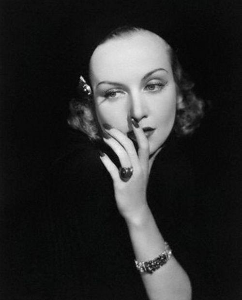 Незабываемые имена мирового кинематографа: Кэрол Ломбард. Фото с сайта kino-teatr.ru