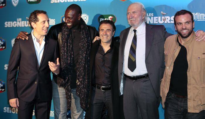 «Команда мечты». Актёры Гад Эльмалех, Омар Си, Жан-Пьер Марьель и Сами Амезьян на премьере фильма «Команда мечты» в Париже. Фото: JACQUES DEMARTHON/AFP/GettyImages