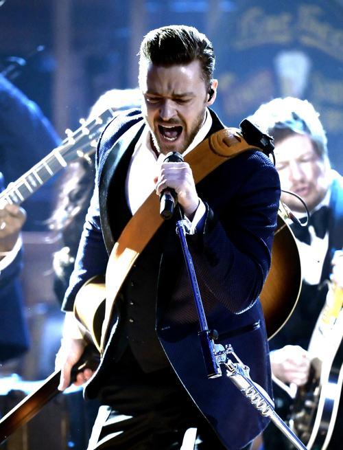 Джастин Тимберлейк на церемонии вручения премии American Music Awards 24 ноября 2013 года в Лос-Анджелесе. Фото: Kevin Winter / Getty Images