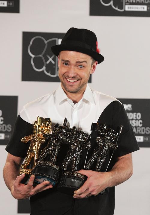 Джастин Тимберлейк посетил церемонию вручения премии MTV (Video Music Awards) за лучшие музыкальные видео-клипы в Нью-Йорке (США) 25 августа 2013 года. Фото: Jamie McCarthy/Getty Images for MTV