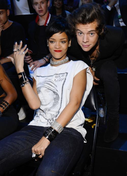 Рианна и Гарри Стайлс посетили церемонию вручения премии MTV (Video Music Awards) за лучшие музыкальные видео-клипы в Нью-Йорке (США) 25 августа 2013 года. Фото: Larry Busacca/Getty Images for MTV