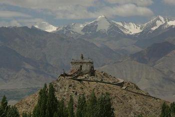 Древняя Тибетская крепость. Фото с сайта blogs.mail.ru