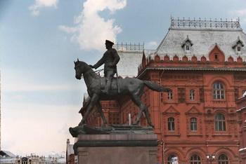 Памятник Жукову. Фото: Линдсей Финчер