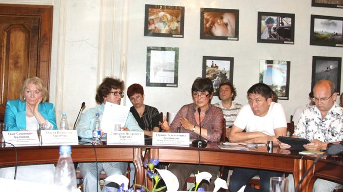 Участники Круглого стола 11.06.12г. Фото: Ульяна КИМ/Великая Эпоха (The Epoch Times)