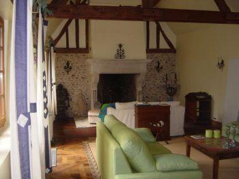 Интерьер нового дома Лори в Нормандии, Франция. Фото с сайта  theepochtimes.com