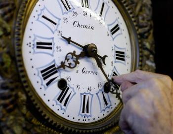 Время на старинных часах Фото: Joe Raedle/Getty Images