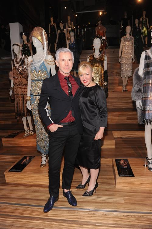 Дизайнер Кэтрин Мартин и режиссёр фильма Баз Лурман на выставке коллекции Миучча Прада к фильму «Великий Гэтсби». Фото: Jamie McCarthy/Getty Images for Prada