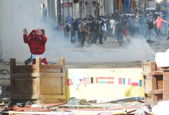 Протесты в Стамбуле 1 июня 2013 года. Фото: BULENT KILIC/AFP/Getty Images