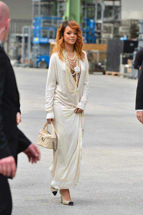 Рианна на показе новой коллекции Chanel в Париже 2 июля 2013 года. Фото: Pascal Le Segretain/Getty Images