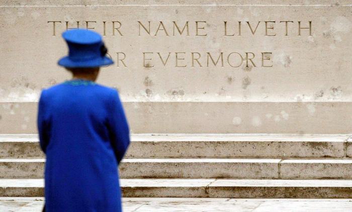 Королева Елизавета II. Фото: TOBIAS SCHWARZ/AFP/Getty Images