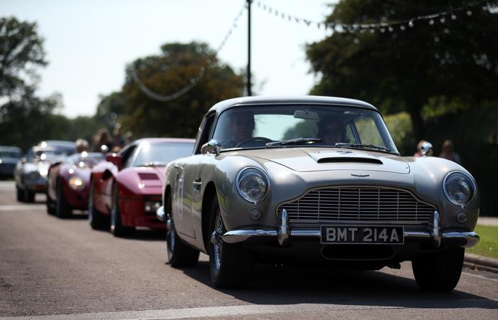 Автомобиль Aston Martin DB5 1965 года, получивший известность в фильме про Джеймса Бонда. Фото: Matt Cardy/Getty Images