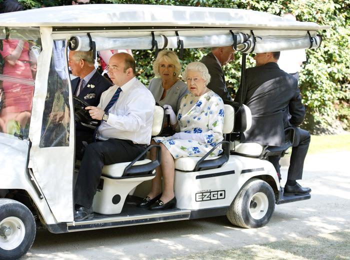 Королева Великобритании Елизавета II на Коронационном фестивале в Букингемском дворце 11 июля 2013 года. Фото: Geoff Pugh - WPA Pool/Getty Images
