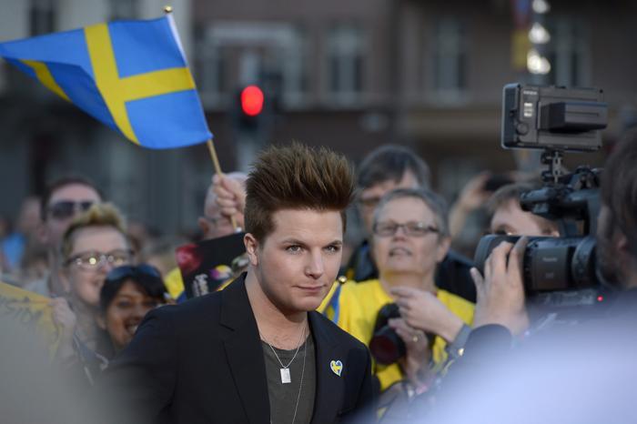 Робин Стьернберг, представитель Швеции,  прибыл на церемонию открытия Евровидения 2013 в Мёльме, Швеция. Фото: Janerik Henriksson / SCANPIX/AFP/Getty Images