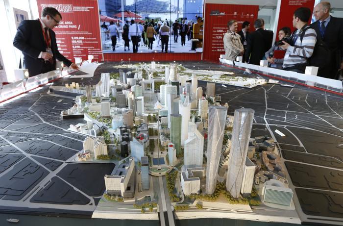 Масштабная модель французского бизнес района на инвестиционной выставке MIPIM-2013. Фото:  VALERY HACHE/AFP/Getty Images
