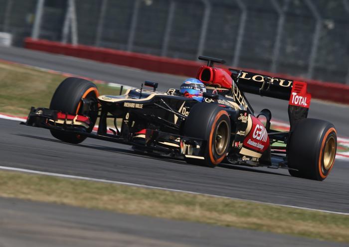 Француз Нико Прост за рулём болида Lotus на молодёжных тестах Формулы-1 в Сильверстоуне 17 июля 2013 года. Фото: Mark Thompson/Getty Images