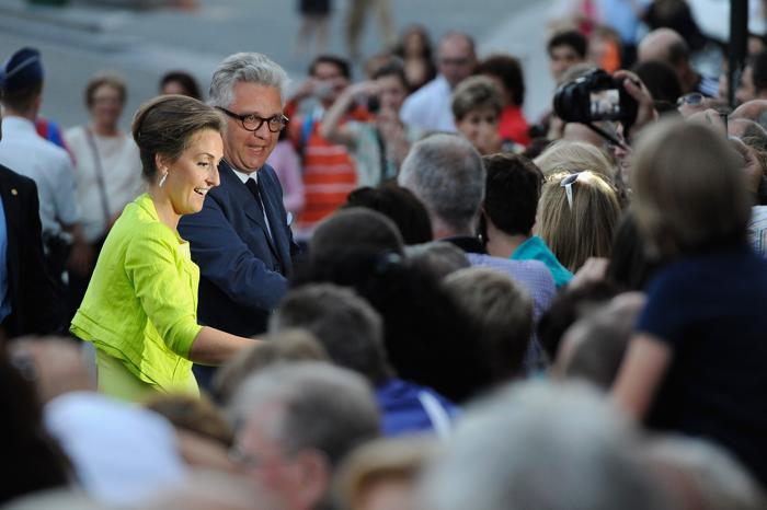 Принцесса Бельгии Клэр и принц Лоран прибыли на праздник в честь отречения и коронации в Брюсселе (Бельгия) 20 июля 2013 года. Фото: David Ramos/Getty Images