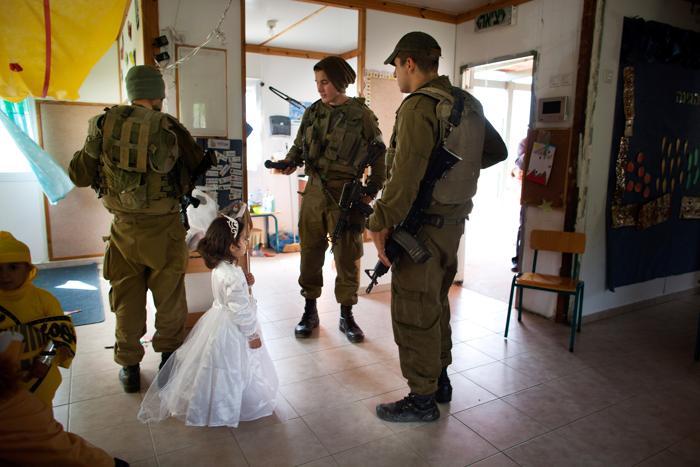 Поселенцы Западного берега Израиля готовятся встретить Пурим. Фото: Uriel Sinai/Getty Images