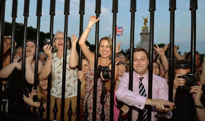 В Великобритании объявили о рождении наследника престола 22 июля 2013 года. Фото: John Stillwell/WPA Pool/Getty Images