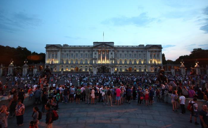 В Великобритании объявили о рождении наследника престола 22 июля 2013 года. Фото: Jordan Mansfield/Getty Images