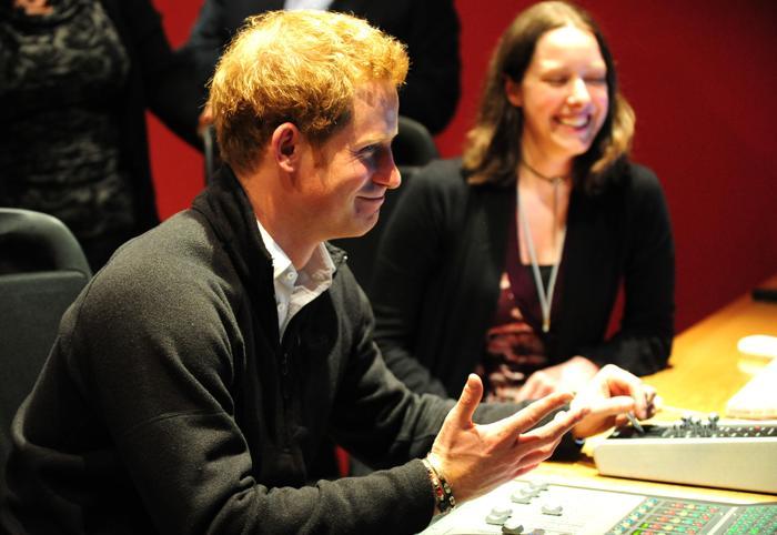 Принц Гарри совершил официальный визит в Ноттингем. Фото: Eddie Mulholland - WPA Pool/Getty Images