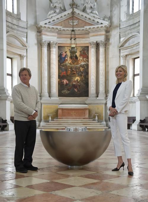 Надя Сваровски и Джон Поссон представили экспозицию Svarovsky на Международной выставке современного искусства в венеции. Фото Marco Secchi/Getty Images