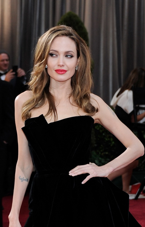 Анджелина Джоли заняла 1 место в списке из 10 самых высокооплачиваемых актрис Голливуда, опубликованном журналом Forbes 29 июля 2013 года. Фото: Ethan Miller/Getty Images