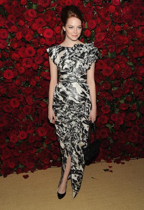 Эмма Стоун заняла 5 место в списке из 10 самых высокооплачиваемых актрис Голливуда, опубликованном журналом Forbes 29 июля 2013 года. Фото: Dimitrios Kambouris/Getty Images