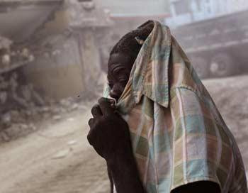 Гаити вновь сотрясают подземные толчки. Фото: John Moore/Getty Images