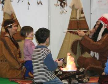 У костра с индейцами. Фото: Юлия Блохина/Великая Эпоха