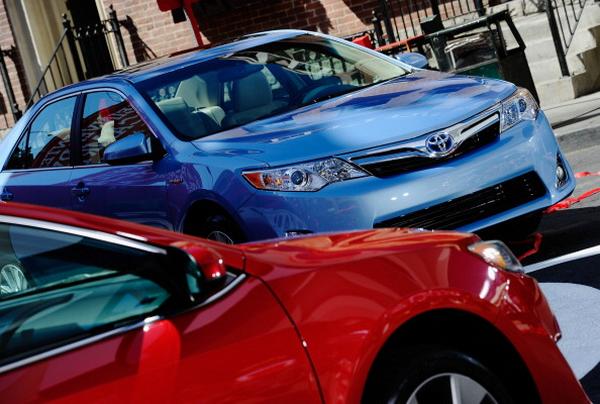 Фоторепортаж о презентации Toyota Camry SE. фото:  Kevork Djansezian/Getty Images