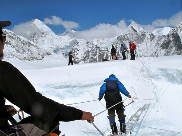Невероятное путешествие двух непальцев. Фото: spiegel.de