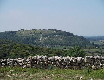Этим летом археологи проведут раскопки города Азека в Израиле, где произошла легендарная битва Давида и Голиафа. Фото: American Friends of Tel Aviv University