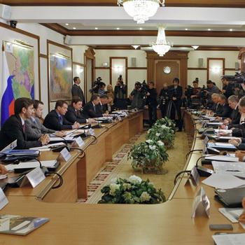 Президент РФ Д.Медведев провел совещание с главами регионов Северного Кавказа. Фото РИА Новости
