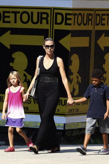 Хайди Клум с детьми. Фото: heidiklumonline.com