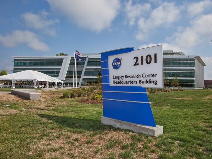 Здание 2101 — Исследовательский центр Лэнгли при NASA. Фото: NASA/Sean Smith