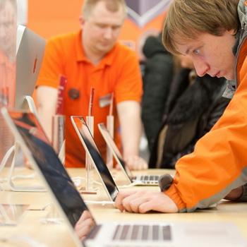 Apple Shop в Москве. Фото РИА Новости