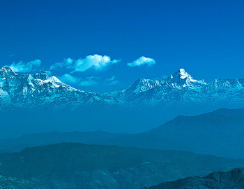Гималайский хребет недалеко от Мадхубана (Рамгарх, Индия). Художественная обработка автора