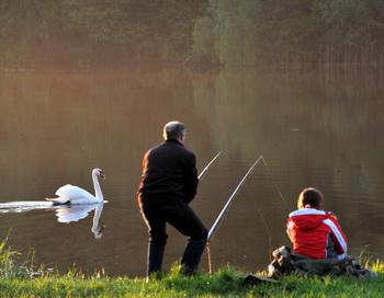 Рыбье дело. Фото: VIKTOR DRACHEV/AFP/Getty Images