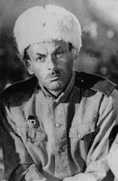 Сегодня день рождения Булата Окуджавы. Фото с сайта lechaim.ru