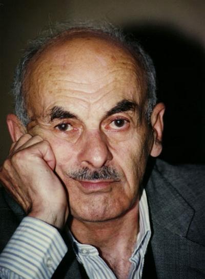 Сегодня день рождения Булата Окуджавы. Фото с сайта nnm.ru