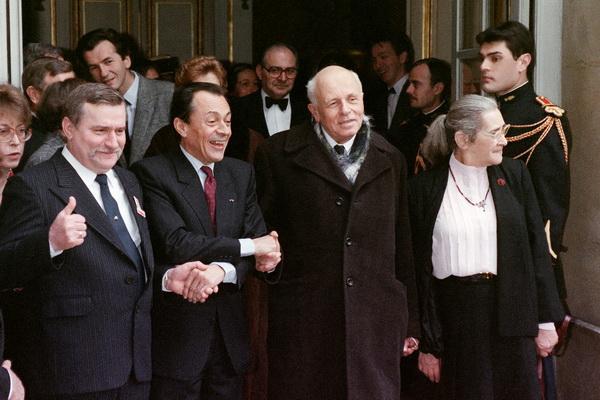 Чевствование академика Сахарова в Париже,  1988. Фото: YVES SIEUR/AFP/Getty Images