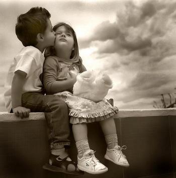 Зачем существует поцелуй?  Фото  сайта ba-bamail.co.il