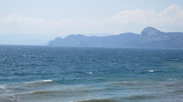 Крым. Вид с мыса Меганом на Новый Свет. Фото: Надежда Калинина