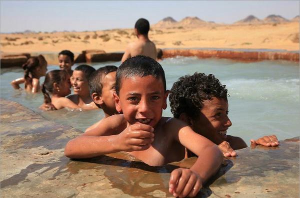 Местный «плавательный бассейн» в Эль Бахарая. Фото Yaira Yasmin/The Epoch Times